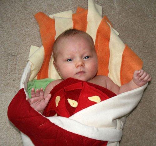 Креативные одеяла, превращающие малышей в очаровательные буррито (6 фото)