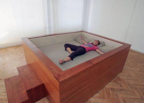 Необычный дизайн кроватей на любой вкус (23 фото)