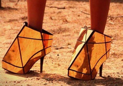 741840fb8 Странные и необычные женские туфли на высоком каблуке (10 фото)