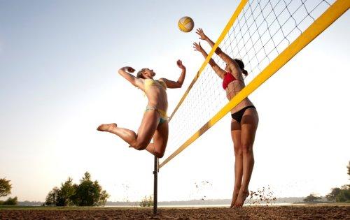 Почему мужчины любят женский пляжный волейбол (24 фото)