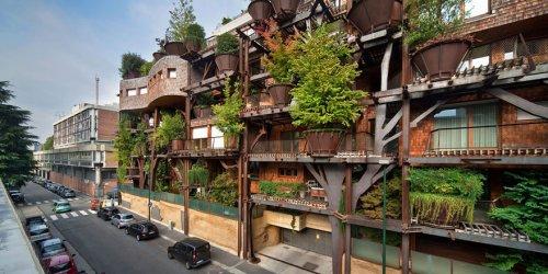 «Зеленый» дом, который ограждает горожан от шума и выхлопных газов (14 фото)