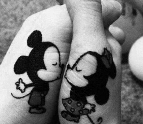 Парные татуировки (22 фото)