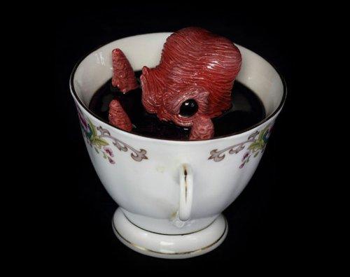 Подводные монстры в чашках от Майкла Палмера (8 фото)