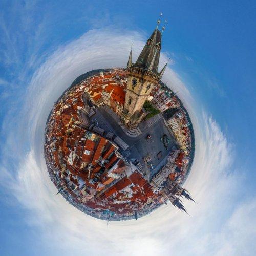 Города мира, превращённые в маленькие планеты (16 фото)