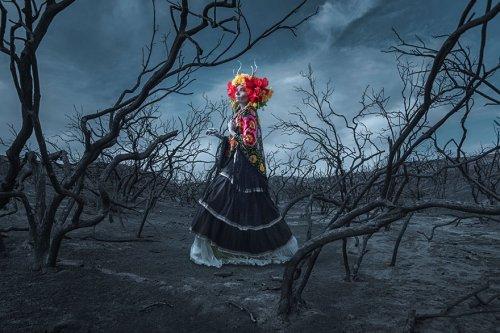 Богиня загробного мира Миктлансиуатль в фотопроекте Тима Тэддера (8 фото)