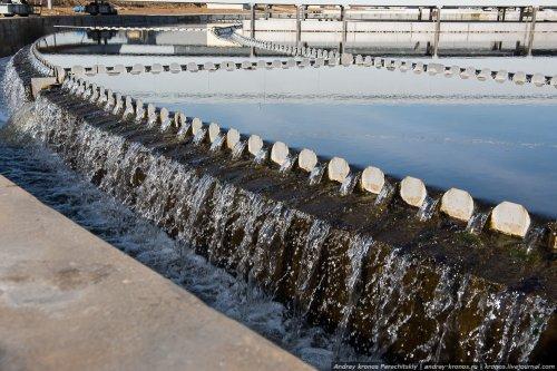 Процесс очистки воды в Москве (22 фото)