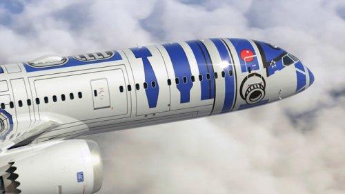 Авиалайнер R2-D2 в воздушном флоте японской авиакомпании (6 фото)