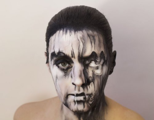 Обложки виниловых пластинок, нарисованные на лице (11 фото)