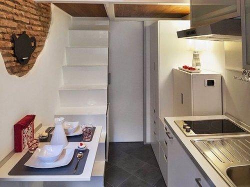 Симпатичная компактная квартира в Риме (11 фото)