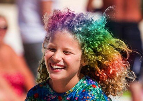Радужные волосы — новый модный тренд (13 фото)