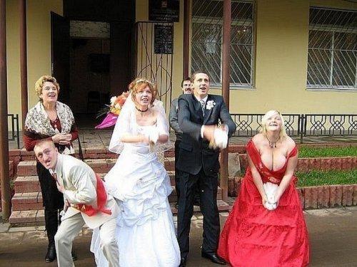 Смешные и забавные свадебные снимки из глубинки (21 фото)