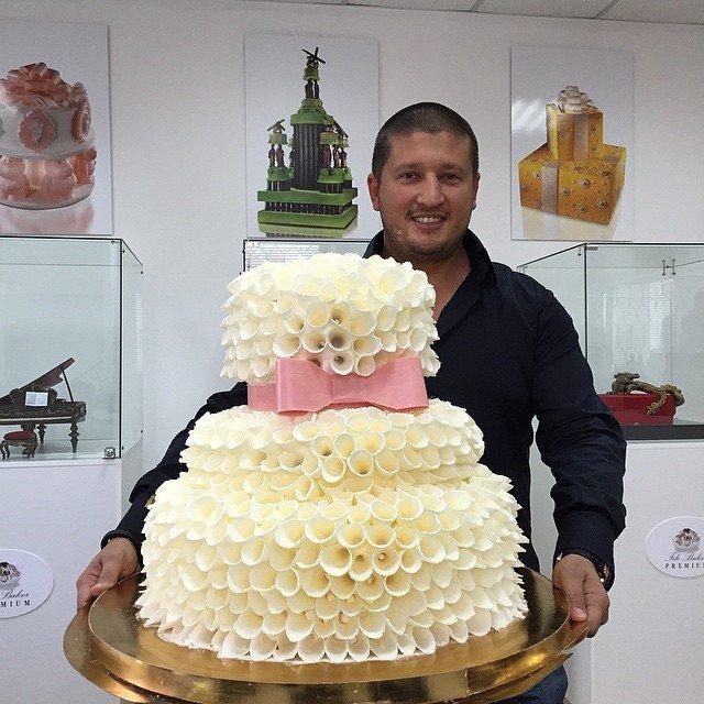 ренат агзамов фото торты