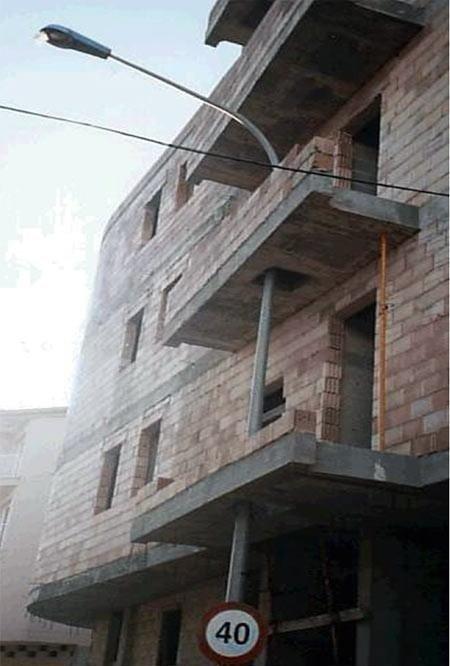 Будівельні приколи, помилки і маразми (23 фото)