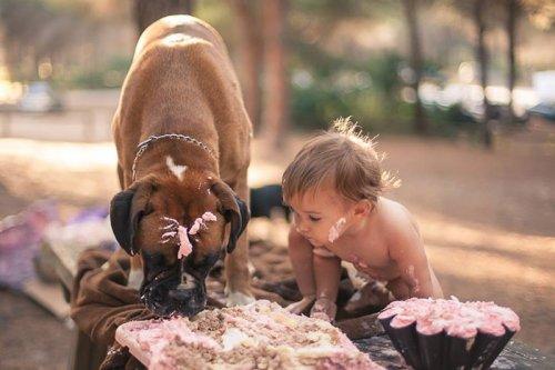 Очаровательные фотографии детей с собаками (34 фото)