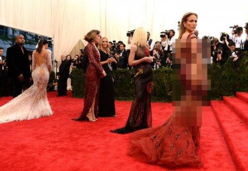 Дженнифер Лопес в соблазнительном платье на Met Gala 2015 (4 фото)