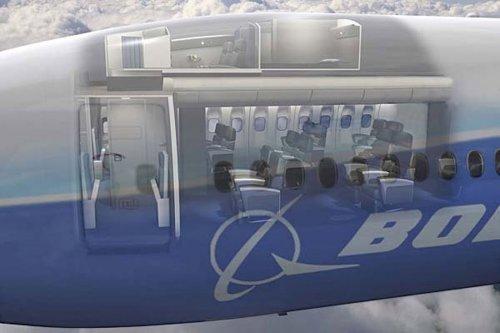 Секретные спальни в Боингах 777 и 787 для членов экипажа, выполняющих длительные перелёты (18 фото)