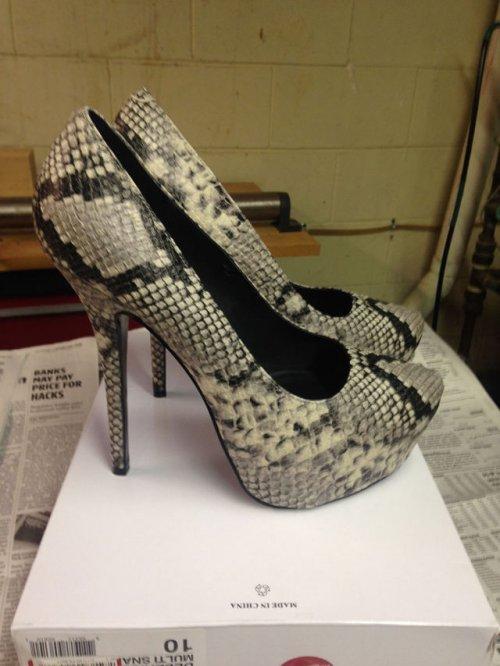 Как обычные туфли за 25 долларов сделать роскошными (14 фото)