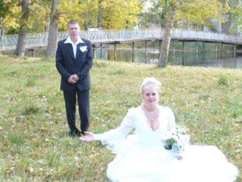 Смешные и забавные свадебные снимки (33 фото)