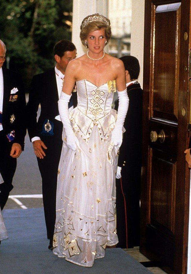 8c805fbf2d1 Топ-15  Самые дорогие и роскошные платья