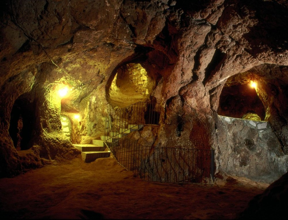 сделать древние подземные пещеры фото последнее время стало