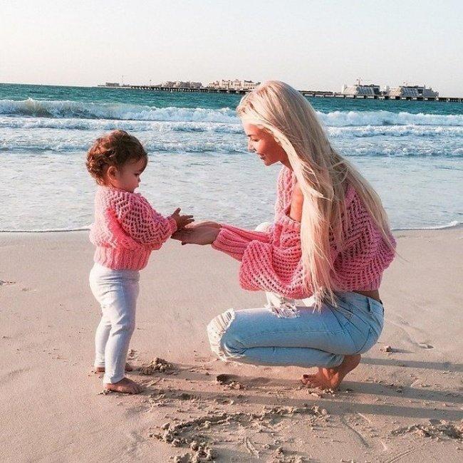 Картинки девушки блондинки и дочки вид ссади