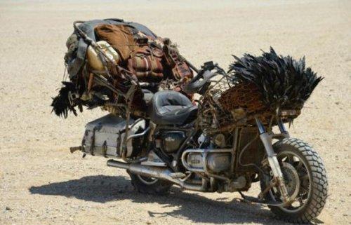 """Кастомные мотоциклы из """"Безумного Макса"""" (15 фото)"""