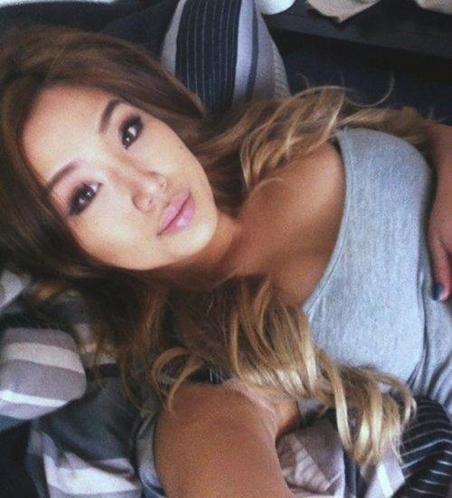 Симпатичные и сексуальные азиатки (33 фото)