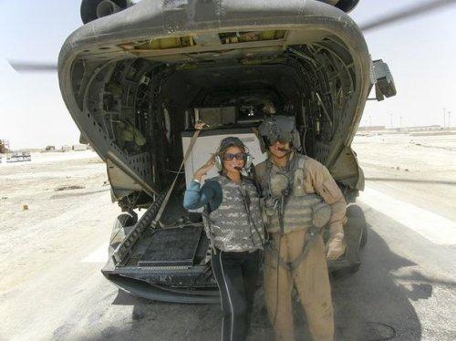 Бывшая чирлидерша пошла в армию (16 фото)