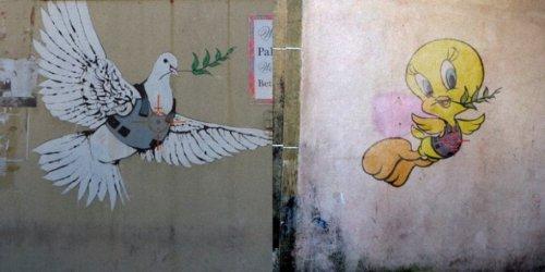 Знаменитые рисунки Бэнкси, перерисованные уличным художником Butcher Billy (10 фото)