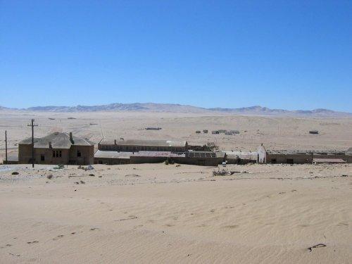 Колманскоп: город-призрак в пустыне Намиб (14 фото)