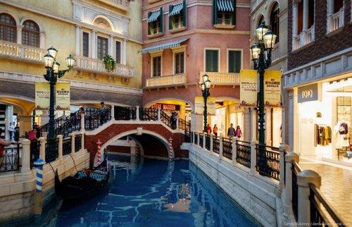 """Крупнейшее в мире казино """"The Venetian"""" в Макао (12 фото)"""