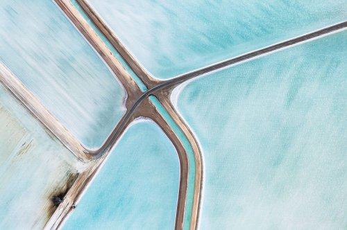 Голубые соляные поля в Австралии с высоты птичьего полёта (10 фото)