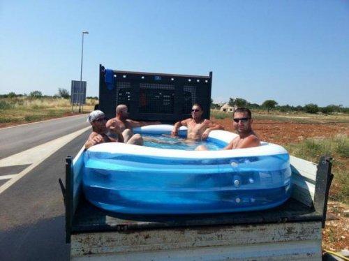 Как спастись от жары (16 фото)