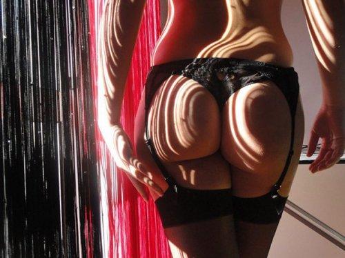 Соблазнительные женские попки (28 фото)