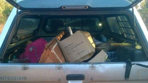 Австралиец вернул правонарушителю весь мусор, который тот выбросил за городом  (6 фото)
