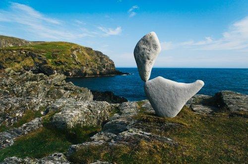 Балансирующие камни Эдриана Грэя (20 фото)