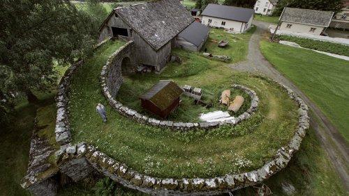 Норвежская сельская архитектура в фотографиях (14 фото)