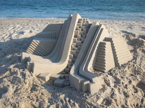 Новые геометрические песочные скульптуры Калвина Зиберта (8 фото)