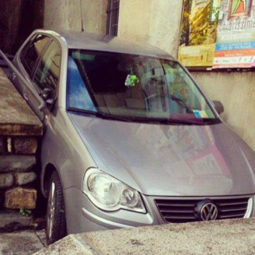 Гении итальянской парковки (20 фото)