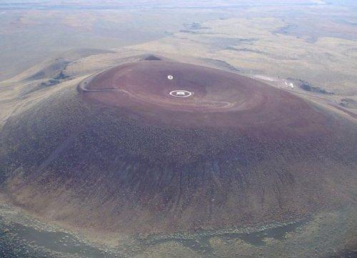 Дом в кратере Роден (7 фото)