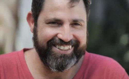 Преображение мужчины, сбрившего бороду, которую он носил в течение 14 лет