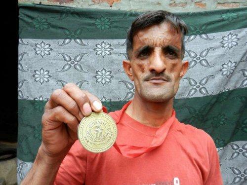 Гуттаперчевый мужчина Раммихар Пуния (8 фото)