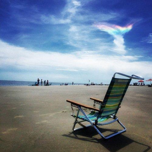 """Редкое природное явление """"Огненная радуга"""" в небе над Южной Каролиной (6 фото)"""