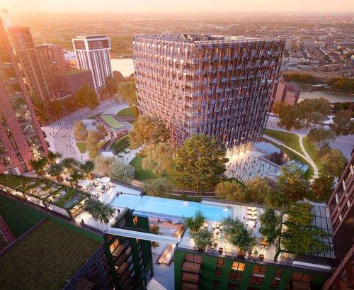 Прозрачный бассейн в воздухе в центре Лондона (3 фото)