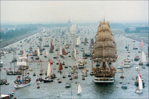 Парад парусников в Амстердаме (7 фото)