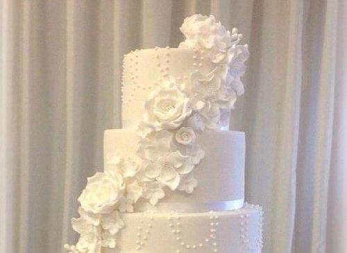 Двуликий свадебный торт-компромисс (3 фото)