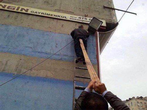 Люди, игнорирующие технику безопасности (19 фото)