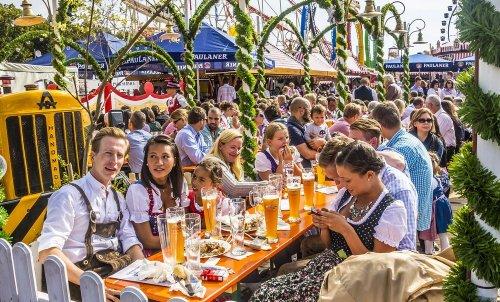 Топ-12: Лучшие фестивали алкогольных напитков в мире