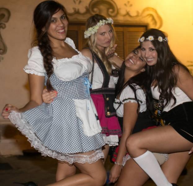Пивной фестиваль фото голых девушек фото 161-628
