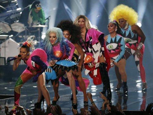 Церемония награждения MTV Video Music Awards 2015 (21 фото)